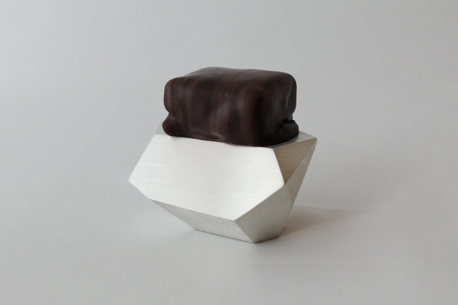 chocolatepedestal_1
